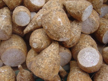 Taro corms for sale in a Réunion market
